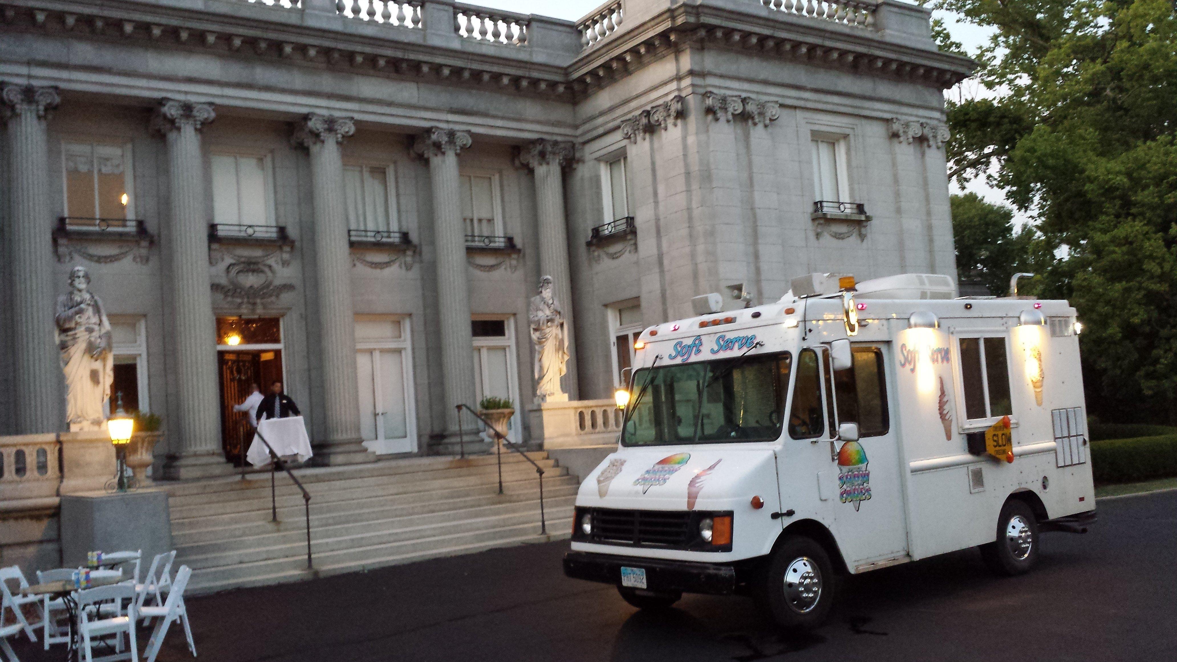 Ice Cream Truck For Sale >> Cincinnati`s Ice Cream TRUCK -SOFT SERVE | Food Trucks In ...